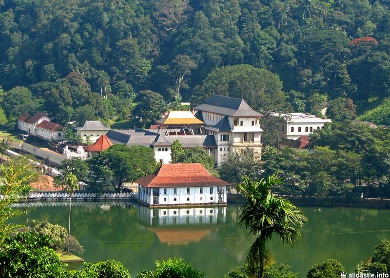 Farihy Temple Temple any Kandy