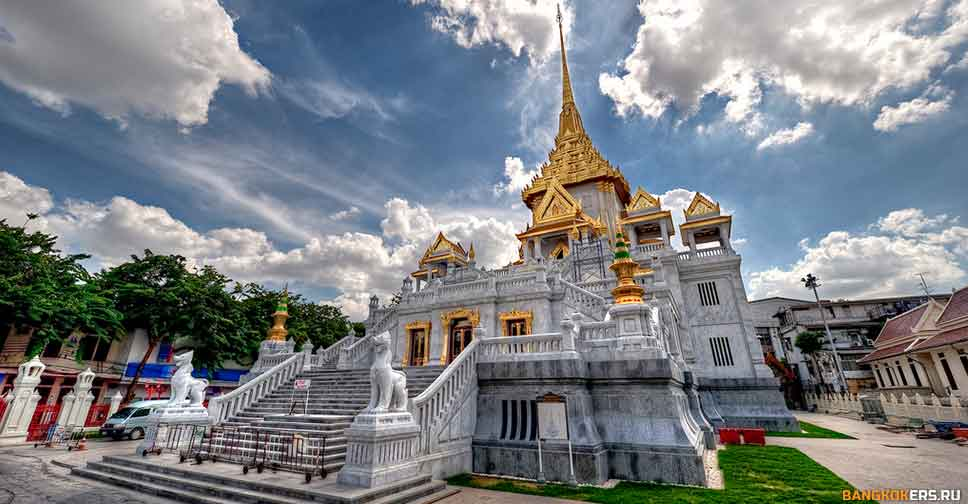 Temple of the Golden Buddha in Bangkok