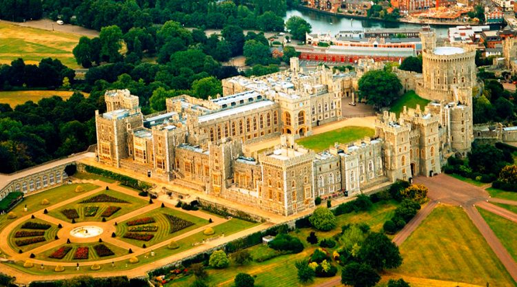 Виндзорский замок (Windsor Castle) в Англии