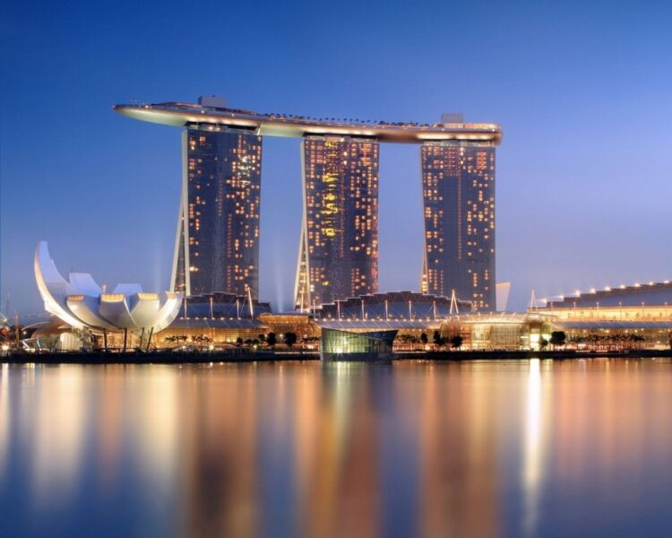 Марина Бэй Сэндс (Marina Bay Sands)
