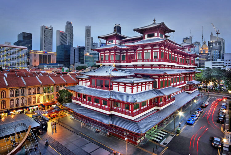 Храм Зуба Будды (Buddha Tooth Relic Temple) в Сингапуре