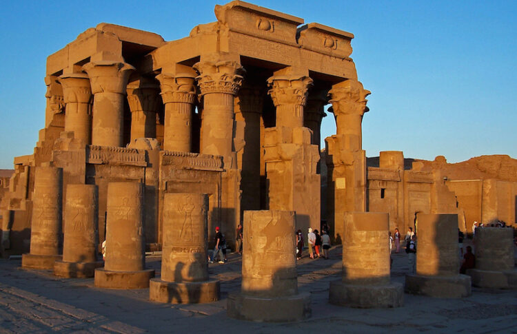 Храм Ком Омбо (Temple of Kom Ombo)