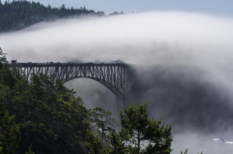 Мост Десепшн-Пасс, США. (Deception Pass Bridge)