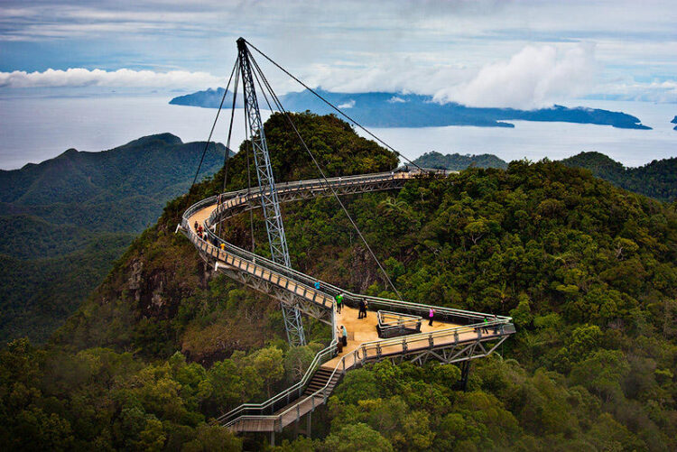 Небесный мост на Лангкави, Малайзия. (Langkawi Sky Bridge)